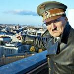 """""""Ele está de volta"""": Hitler ressurge em uma comédia perigosa"""