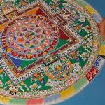 O ritual da mandala tibetana